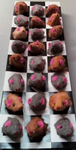Cat Toy 24 Real Fur Mice in a display Box